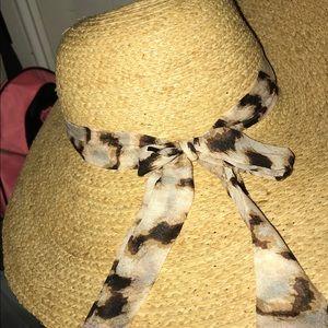 Accessories - Straw sun hat, leopard print scarf